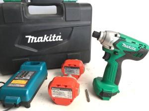 マキタ 充電式インパクトドライバー M694D
